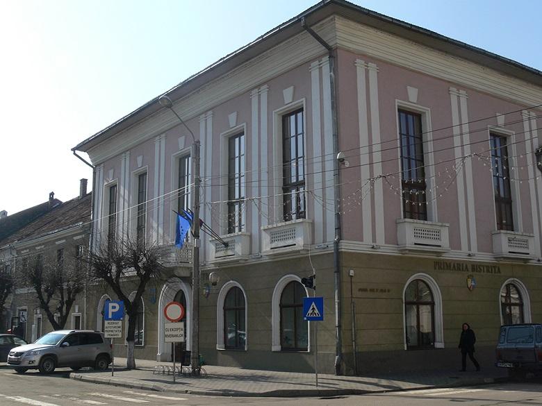 primaria-municipiului-bistrita-isi-schimba-infatisarea